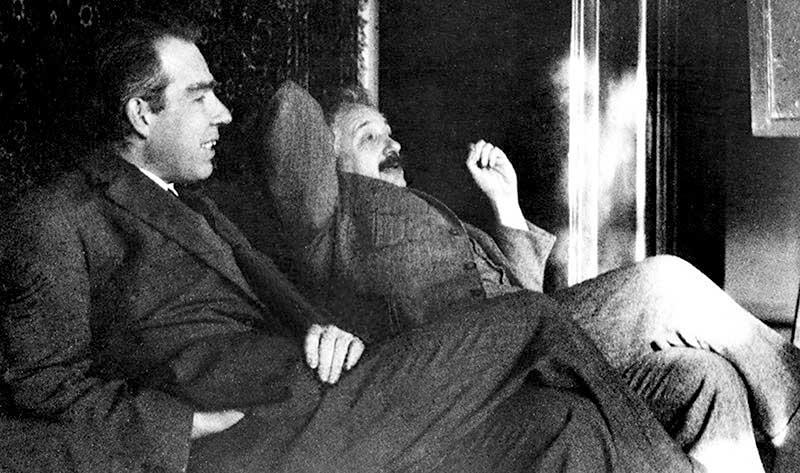جدال دو نابغه: مروری بر مناظرات بوهر-اینشتین